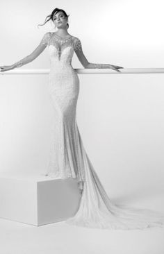 1b098024b745 63 fantastiche immagini su Abiti sposa Alessandra Rinaudo Golden Age ...