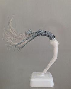 20 Ideas contemporary art sculpture for 2019 Wire Art Sculpture, Plaster Sculpture, Sculpture Projects, Abstract Sculpture, Bronze Sculpture, Art Projects, Wire Sculptures, Sculpture Ideas, Sculpture Techniques