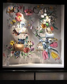 "363 Likes, 2 Comments - Витринистика / Window Displays (@vitrinistika) on Instagram: ""Gucci #gucci#vitrinistika #vitrinist #windowdisplay #vm #windowdisplaydesign #windowwearing…"""