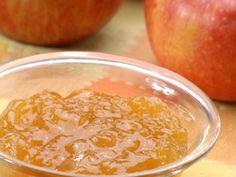Jablečný džem? Žádný problém, stačí jen najít spolehlivý recept. Čeká na vás na Tradičních receptech s dalšími 40 tisíci lahůdek. Dobrou chuť!