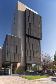 Gallery - El Coihue Building / Estudio Larrain - 2