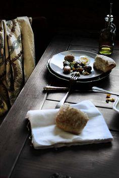 Pratos e Travessas: Salada de bacalhau e batatas novas com pesto de erva cidreira # Cod and new potatoes salad with lemon balm pesto | Recipes, photography and stories