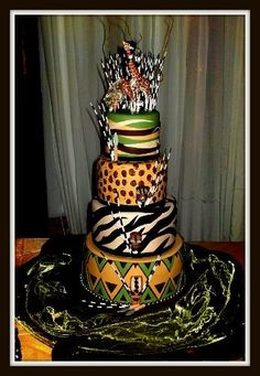 You know you are a true African when your wedding cake look like that. African Wedding Cakes, Unique Wedding Cakes, African Weddings, African Cake, African Theme, Safari Wedding, Lodge Wedding, Traditional Cakes, Traditional Wedding Cakes