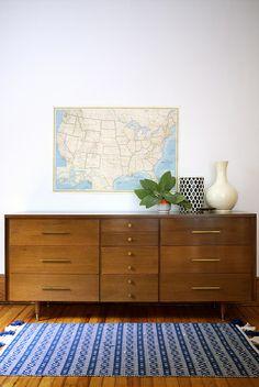 Midcentury modern dresser. 1950s vintage.