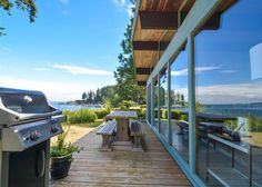 This is the perfect Orcas Island, #sanjuanislands vacation rental beach cottage to relax and watch the world float by and sunset. A straight on view of Sucia Island and a 180-degree view of #boating traffic. #travel