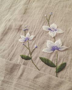 #프랑스자수 #handmade #france #embroidery #needlework #craft #앞치마 #flowers #제비꽃 #선물 #일상 #선팔 #맞팔 #수공예 #보라빛 #핸드메이드 #꽃자수