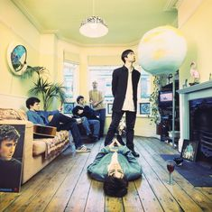 Can you believe that it's been 25 years since the release of Oasis' debut album Definitely Maybe, the fastest-selling debut album in British rock hist. Oasis Live Forever, Oasis Album, Definitely Maybe, Oasis Band, Stone Roses, Band Photography, Liam Gallagher, Beastie Boys, Britpop
