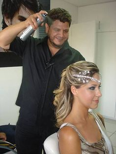 Hairspray, Crown, Fashion, Moda, Corona, Fashion Styles, Hair Sprays, Fashion Illustrations, Crowns