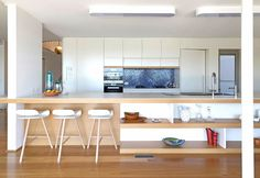 A 50s renovated house in Sydney / Una casa anni '50 ristrutturata a Sydney