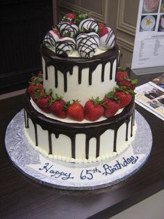 Chocolate drip w/Berries - Sublime Bakery Cakes Chocolate Drizzle Cake, Chocolate Covered Strawberries, Chocolate Drip, Pretty Cakes, Beautiful Cakes, Amazing Cakes, Birthday Drip Cake, Birthday Cake Decorating, Crazy Cakes