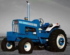 The Giant 9000 by admin on Tue, - By Sherry Schaefer, Editor of Heritage Iron Magazine Old John Deere Tractors, Big Tractors, Ford Tractors, Vintage Tractors, Chevy Trucks Older, Old Ford Trucks, Lifted Chevy Trucks, Big Rig Trucks, Pickup Trucks