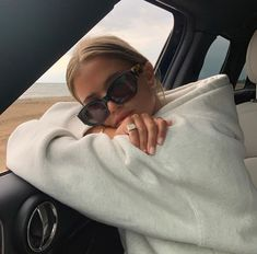 My favorites Ohne Titel Outfit ideen Source by Mode favorites Ideen ohne outfit Outfit ideen Source Titel Summer Aesthetic, Aesthetic Girl, Retro Aesthetic, Makeup Aesthetic, Aesthetic Clothes, Insta Photo Ideas, Insta Pic, Mode Ootd, Outfit Des Tages