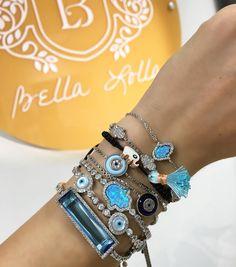 Apaixonada pelas joias da @bellalollausa ! Essa combinação de pulseiras foi escolhida pelo significado: proteção e prosperidade. Todas em prata 925 e zirconia/ madre pérola/ opala/fio de seda. Obrigada Dani vcs são incríveis e merecem todo sucesso do mundo! Contem comigo para mostrar ao mundo o trabalho incrível de vocês. Sigam @bellalollausa e acessem o site www.bellalolla.us  ______________________  In love with my arm candy from @bellalollausa ! This combination was chosen based on its…