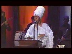 Erykah Badu - Bag Lady & Penitentiary Philosophy (Live) w/ band 2001