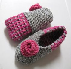 Pantoufles Églantine Double Knitting Patterns, Crochet Patterns, Crochet Baby, Knit Crochet, Mommy Workout, Owl Hat, Knitted Slippers, Knit Fashion, Womens Slippers