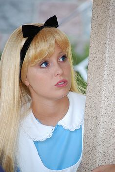 Alice in wonderland Disney Time, Disney Fun, Disney Magic, Alice Disney, Disney Fairies, Disney Parks, Alice In Wonderland Pictures, Alice In Wonderland Party, Alice Cosplay