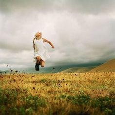 Ellen Kooi. Sibillini rim 2006 #onlyart_photo #netherlands #kids #nature #portrait #colour #photo #art #onlyart