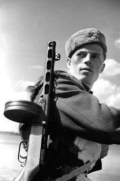 Russian fighter near Stalingrad with a PPSh-41