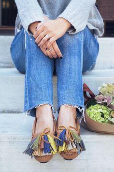 DIY Shoes Makeover : DIY Tassel Moccasins