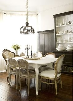 love the mix and match chairs