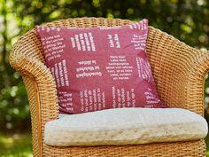 Erbauende Zitate in Stoff gewebt. Throw Pillows, Weaving, Quotes, Cushions, Decorative Pillows, Decor Pillows