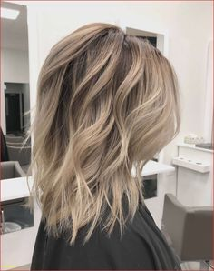 Coloring Red Color for Hair Awesome Hair Color Ideas for Medium Length Hair Hair Color Ideas Long Face Haircuts, Haircuts For Medium Hair, Medium Layered Haircuts, Haircut For Thick Hair, Thin Hair, Straight Hair, Stacked Haircuts, Medium Hairstyle, Braids For Medium Length Hair