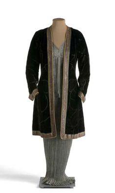 Dress (Delphos) with jacket, Mariano Fortuny, c. 1920-1949.