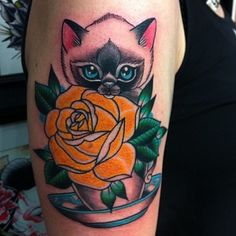 tattooworkers:  Tattoo by Vicky Morgan @vickymorgantattoo @ghosthousecollective