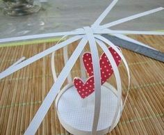Cómo hacer una bonita jaula de cartón ~ cositasconmesh