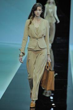 Tendências Semana de Moda de Milão – Primavera/Verão 2013: Dia 02 http://www.modalogia.com/2012/09/20/tendencias-semana-de-moda-de-milao-primaveraverao-2013-dia-02/