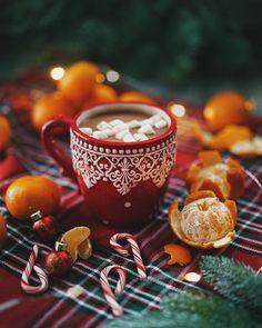 Coffee, tea, chocolate, milk, and everything nice Cosy Christmas, Christmas Feeling, Christmas Coffee, All Things Christmas, Christmas Time, Merry Christmas, Coffee Gif, Winter Coffee, Good Morning Coffee