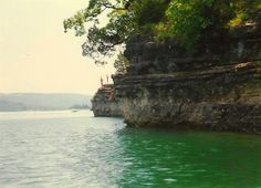 the cliffs on Table Rock Lake
