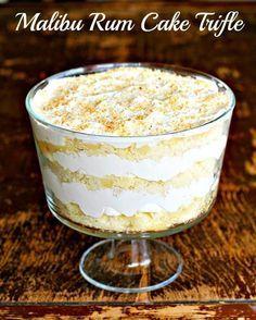 Mini Desserts, Layered Desserts, Köstliche Desserts, Delicious Desserts, Dessert Recipes, Plated Desserts, Tropical Desserts, Alcoholic Desserts, Trifle Cake