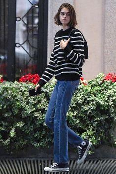 Vogue talks to hair stylist Guido Palau and Kaia Gerber about her Kurt Cobain-inspired haircut for Prada at Milan Fashion Week Kaia Gerber, Casual Outfits, Cute Outfits, Fashion Outfits, Womens Fashion, Petite Fashion, Fashion Week, Fashion Models, Tokyo Fashion