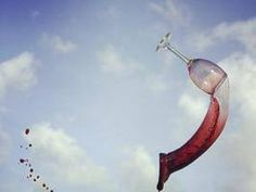 La carica dei 101: la rivista americana Wine Spectator, la «Bibbia dei vini» e uno degli oracoli enoici più ascoltati in tutto il Pianeta, ha pronunciato il suo verdetto stilando la lista delle 101 icone del vino italiano, gli assaggi più convincenti degli ultimi dodici mesi.