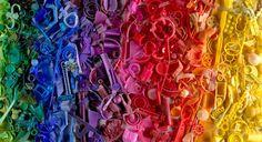 Man en vrouw maken kunst van plastic strandafval - Nieuws - Droomplekken