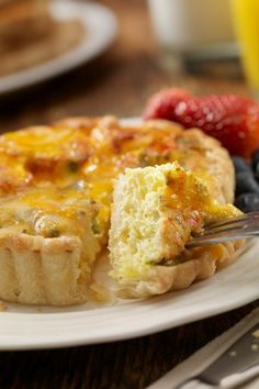 ------- Sweet Corn Quiche  ------- This quick and  easy quiche is made with fresh, or frozen, corn and just a few other low-fat ingredients.