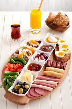 Quick healthy breakfast ideas for diabetics recipes without food Breakfast Platter, Breakfast For A Crowd, Breakfast Potatoes, Breakfast Muffins, Breakfast Burritos, Breakfast Casserole, Breakfast Ideas, Breakfast Presentation, Food Presentation