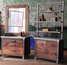 Obsessed with this salon decor! Salon Stations, Styling Stations, Rustic Salon Decor, Small Hair Salon, Barbershop Design, Grooming Salon, Home Salon, House Of Beauty, Salon Furniture
