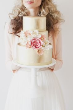 15 wedding cakes we adore: http://www.stylemepretty.com/2014/08/07/15-wedding-cakes-we-adore/ | Photography: http://www.vickystarz.com/