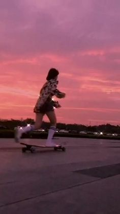 Badass Aesthetic, Aesthetic Indie, Aesthetic Movies, Aesthetic Videos, Aesthetic Backgrounds, Aesthetic Pictures, Skater Girl Outfits, Skater Girls, Images Esthétiques