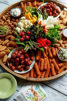 Host a springtime gathering with a collection of small snack bites from Farm Rich on an Epic Easter Entertaining Snack Board! This post is sponsored by Farm Rich, all opinions are my own. Charcuterie Recipes, Charcuterie And Cheese Board, Party Food Platters, Food Trays, Easter Appetizers, Appetizer Recipes, Comida Picnic, Plateau Charcuterie, Gluten Free Puff Pastry