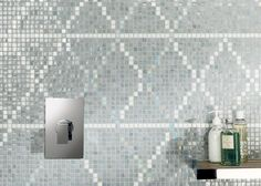 Mosaico+ Decor Collection - Wollen Grey #mosaicopiu #glassmosaic #mosaico #vetro #bathroom #wall #decoration #design #madeinitaly #perle #concerto