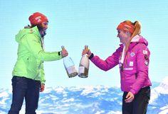 Vítězka Dahlmeierová si s Koukalovou přiťukla Canada Goose Jackets, Rain Jacket, Windbreaker, Winter Jackets, Bronze, Sport, Fashion, Winter Coats, Moda