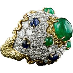 Pre-owned 1960s Sapphire Emerald Diamond Bombe Ring ($8,745) ❤ liked on Polyvore featuring jewelry, rings, dome rings, emerald ring, sapphire cocktail ring, diamond dome ring, antique sapphire ring and diamond crown ring