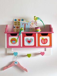 Idées de décoration pour une chambre d'enfant. Une nouvelle chambre d'enfant ? Vous êtes à la recherche d'idées déco pour faire de leur chambre un lieu bien à eux et agréable où ils pourront jouer et dormir en sécurité...