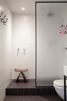 love the tile, love the black contoured shower enclosure