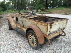 1928 Miller Body Australia Chevrolet Roadster Ute. Cool Trucks, Chevy Trucks, Pickup Trucks, Abandoned Vehicles, Abandoned Cars, Antique Trucks, Antique Cars, Vintage Auto, Vintage Cars