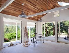 Transitional Art Studio by Lara Dutto, Laraarchitecture  This is a dream space!