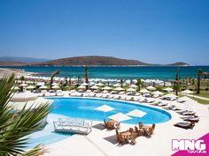 Çeşme'nin berrak denizi Premier Solto Hotel konforu ile birleşiyor, muhteşem bir Ege tatili sunuyor.